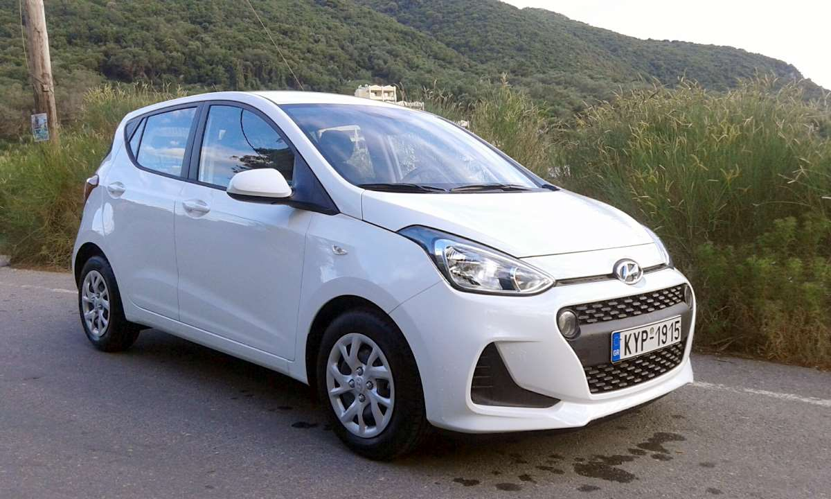 hyundai i10 2018 1car rental corfu ermones rent a car corfu by corfu vip services. Black Bedroom Furniture Sets. Home Design Ideas
